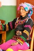 Une femme au marché de Shaxi